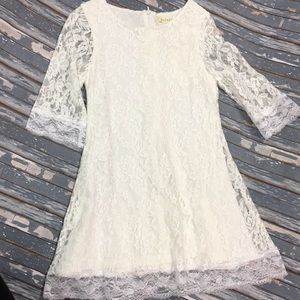 Other - NWT stretchy lace dress